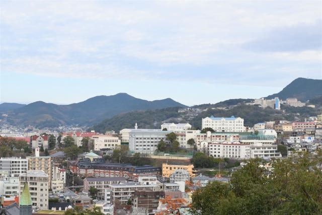 坂道が多い長崎の街並み
